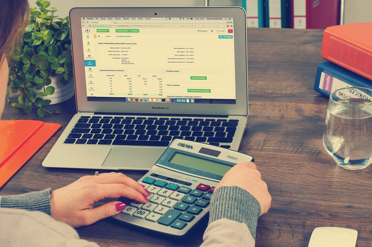 This Is How to Improve Your Credit Score and Pay down Debt with Tally